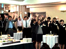 2011年キックオフミーティングの懇親会風景