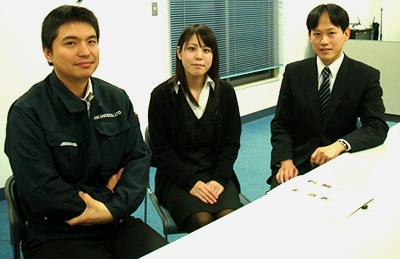 右から窪田恭史(リサイクル部事業企画室 室長)、野村美緒(和声)、伊藤聖(総務部 変革)
