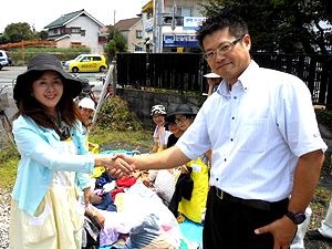 大野さんとの握手
